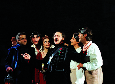 https://www.leshivernalesdufestivaldanjou.com/wp-content/uploads/2020/02/19-cyrano-bergerac-1997-credit-jc-hermaize-scaled.jpg